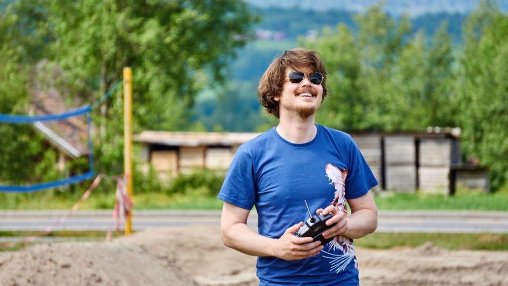 Henning Pedersen står bak selvbyggerdronesatsingen i Norge.