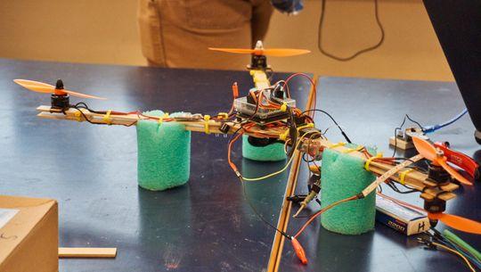 Y4-dronen skilte seg ut med formen sin.