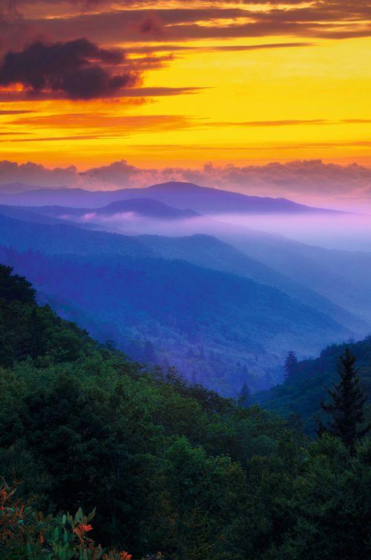Det er tåken som har gitt navn til fjellene.