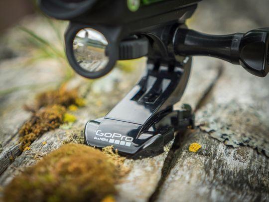 Kameraet kan brukes med fester fra GoPro.