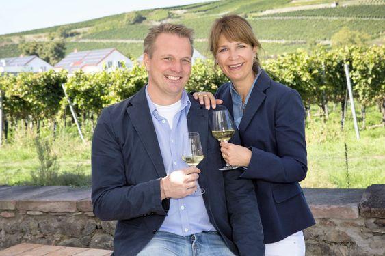 Det er Johannes og Christina von Gleichenstein som driver vingården i dag.