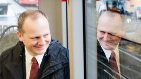 Samferdselsministeren tror kjøretøyautonomi vil gi bedre og mer effektiv kollektivtransport.