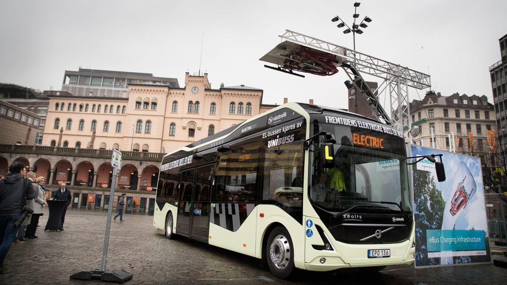 Når man bor i de største byene i Norge er det lett å få inntrykk av at snart alle nye busser går på strøm. Slik er det ikke. I Oslo sto elbusser for 90 av 410 nyregistreringer i fjor.