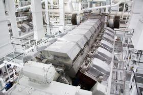 En av de fire 12V46F hovedmotorene om bord i Harmony of the Seas. Skipet har i tillegg to større, 16V46F.