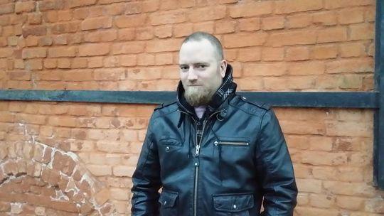 Aanund Bygland er en tusenvis av nordmenn som har plombert tv-en sin. Nå risikerer han likevel å måtte betale NRK-lisens.