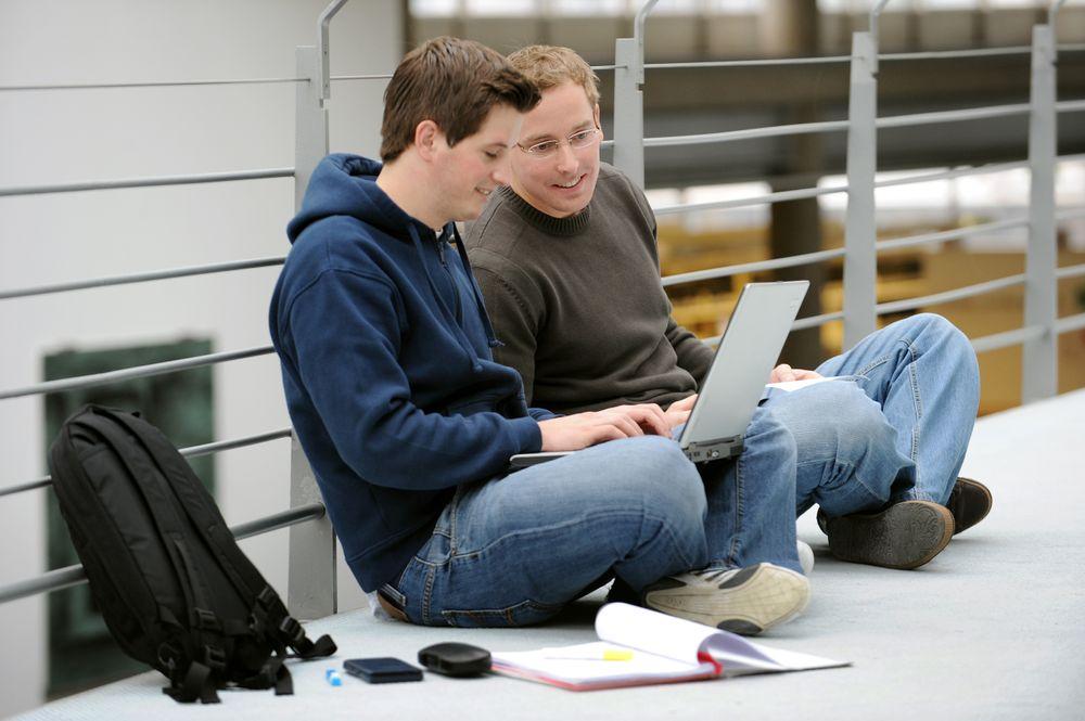 Når arbeidsmarkedet blir tøffere teller nyutdannedes karakterer mer, viser ny undersøkelse.