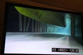 Undervannskamera viser Marintek og Kystverket at det er god klaring til bunnen.