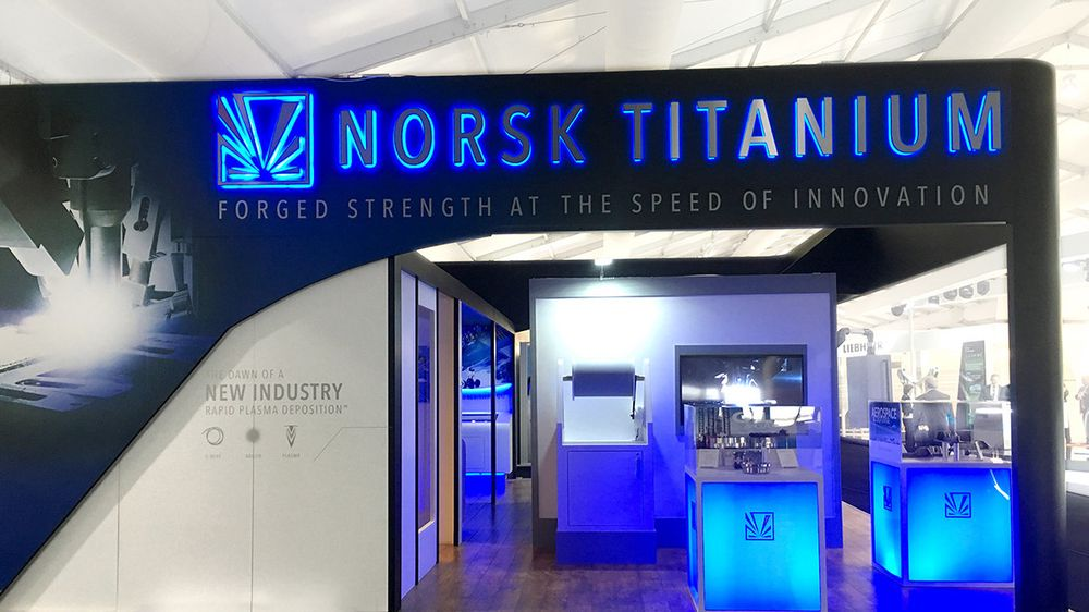 Fra Norsk titaniums stand på Farnborough Air Show.