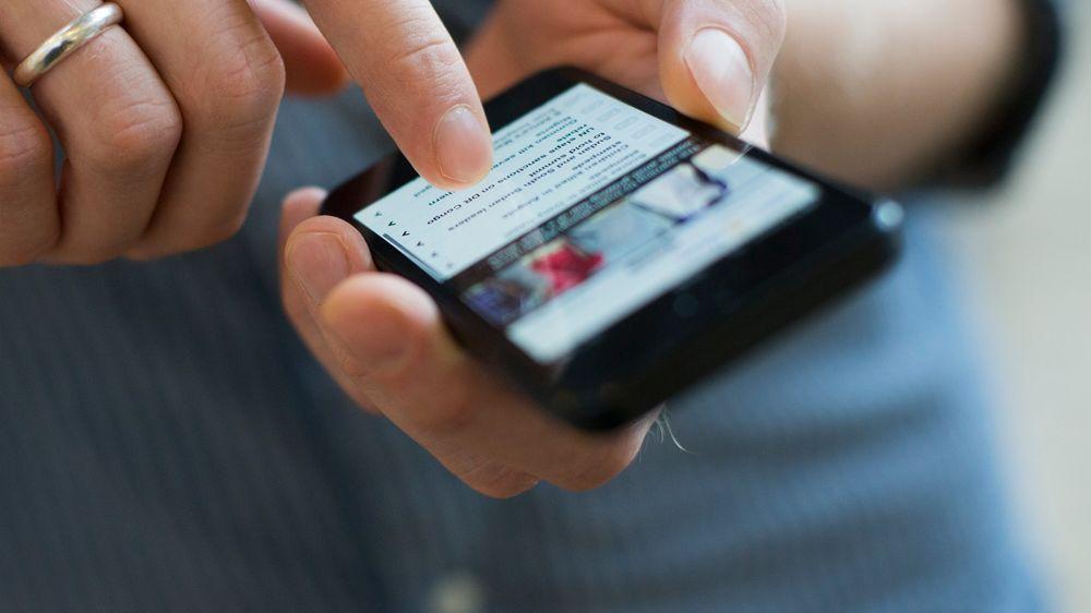 Stadig flere nordmenn bruker mobildata når de reiser innad i EU.
