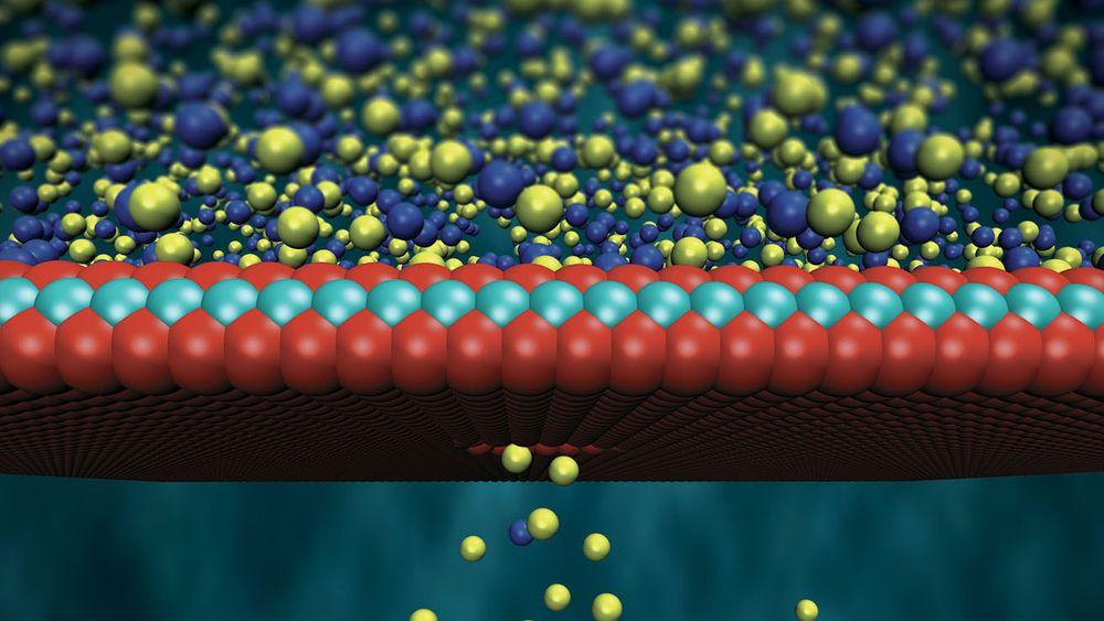 En molybdenmembran som kun er tre atomer tykk kan slippe gjennom saltioner og skape spenningsforskjell.