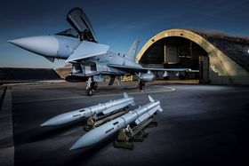 Meteor-missiler og en tysk Eurofighter Typhoon.