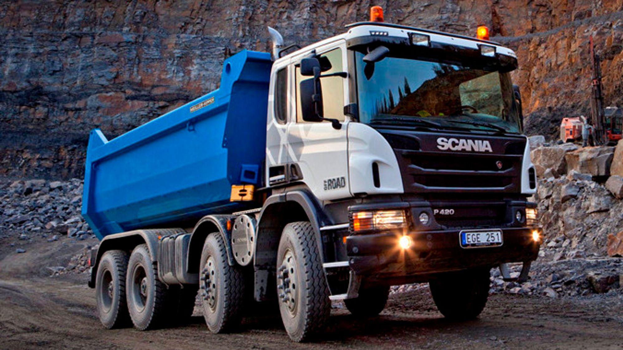 En rekke lastebilprodusenter er ilagt milliardbot for prissamarbeid. Scania har så langt nektet å inngå forlik.