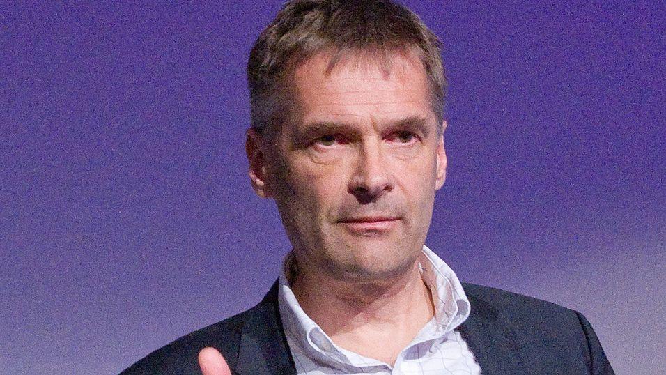 Leder i Telia Norge, Abraham Foss, mener det er bedre enn før å være kunde i selskapet.