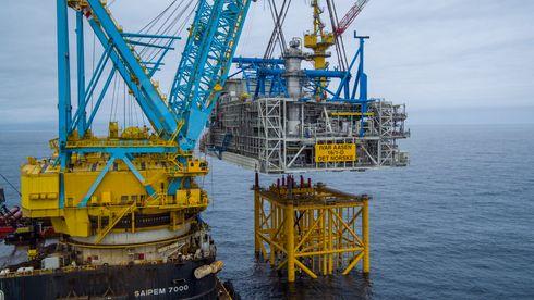 Nå er Ivar Aasen-plattformen på plass i Nordsjøen