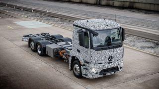 Nå skal Mercedes lage elektrisk lastebil