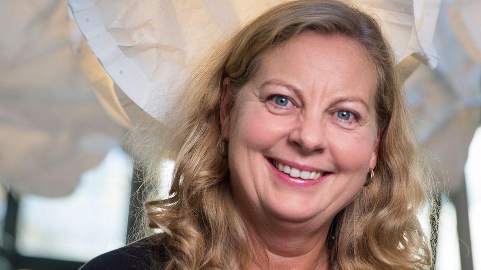 Norgessjef Berit Svendsen i Telenor mener det er et felles ansvar å motvirke digitale klasseskiller.