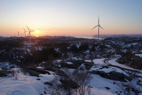 Fred Olsen Renewables står bak en serie av store vindmølleparker i Storbritannia og Skandinavia. Her ses parken de har bygget på Lista, ett av Norges sørligste punkter.