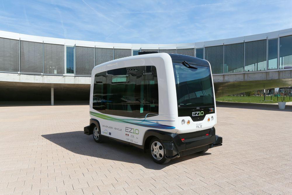 Dette er den førerløse bussmodellen som skal testes ut på Forus i Stavanger, EZ10 fra EasyMile.