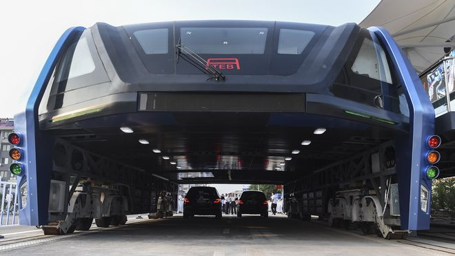 Trodde du Kinas styltebuss var science fiction? Nå har de bygget den