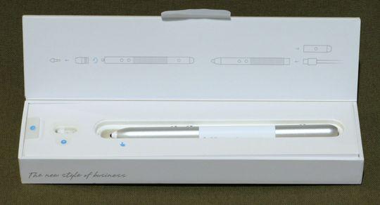 Huawei har ikke spart på innpakkingen heller. Her er MatePen i esken sin.