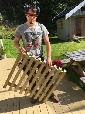 Da han ikke fikk støtte til prosjektet sitt valgte Dalland å lære seg koding selv.