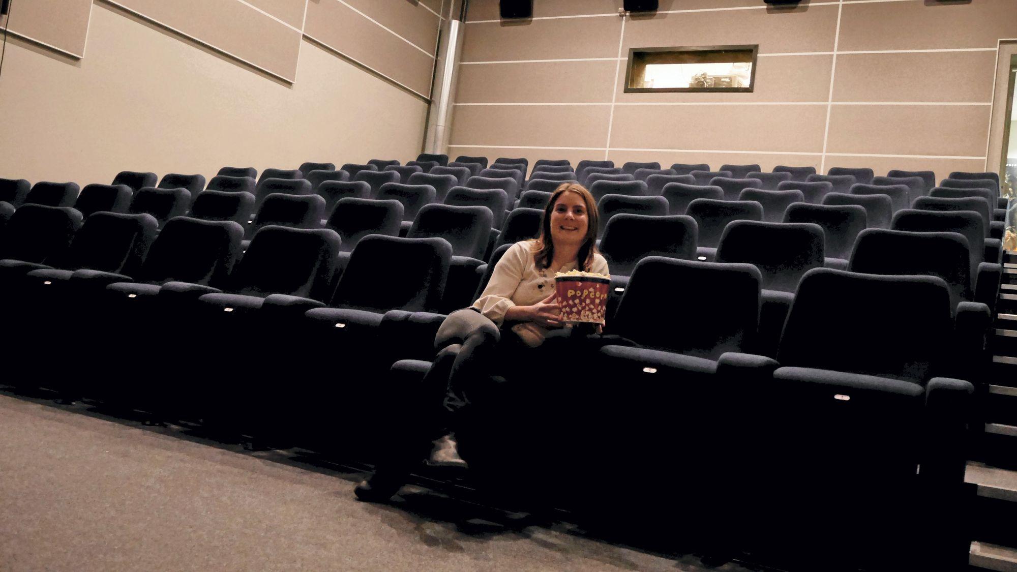 LITEN, MEN TRIVELIG: Det er ikke mange plasser i vår lille kinosal, men det er både trivelig og rolig der under forestillingene.