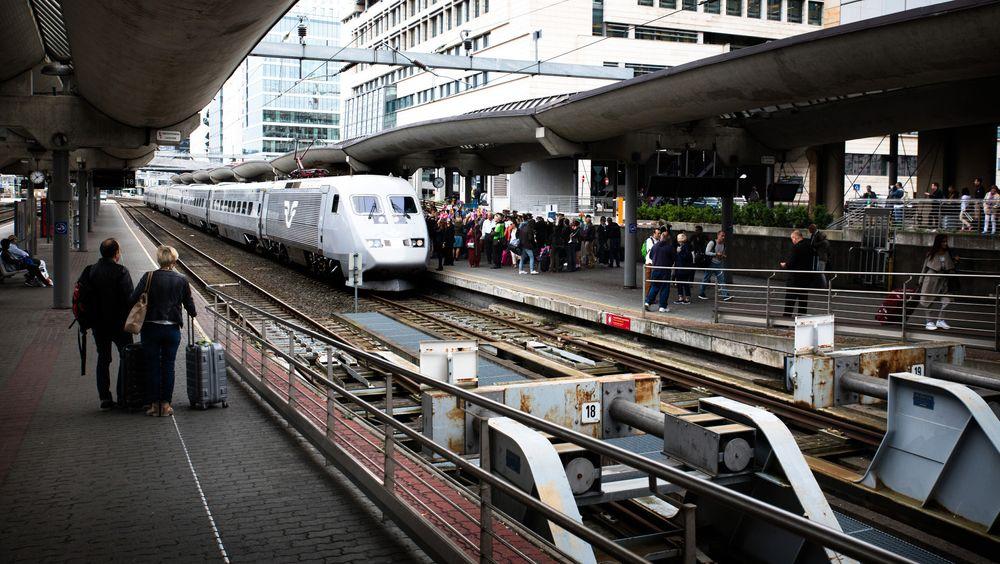Antall reisende mellom Oslo og Stockholm på jernbane har økt med 39 prosent etter innføringen av hurtigtogtilbudet for et år siden.