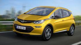 Opel Ampera-e er den første av en ny generasjon elbiler med lang rekkevidde.