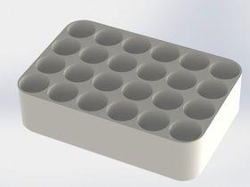 Den keramiske beholderen gjør det mulig å pakke «cellene i cellen» langt tettere enn om man benytter frittstående sylindriske celler.