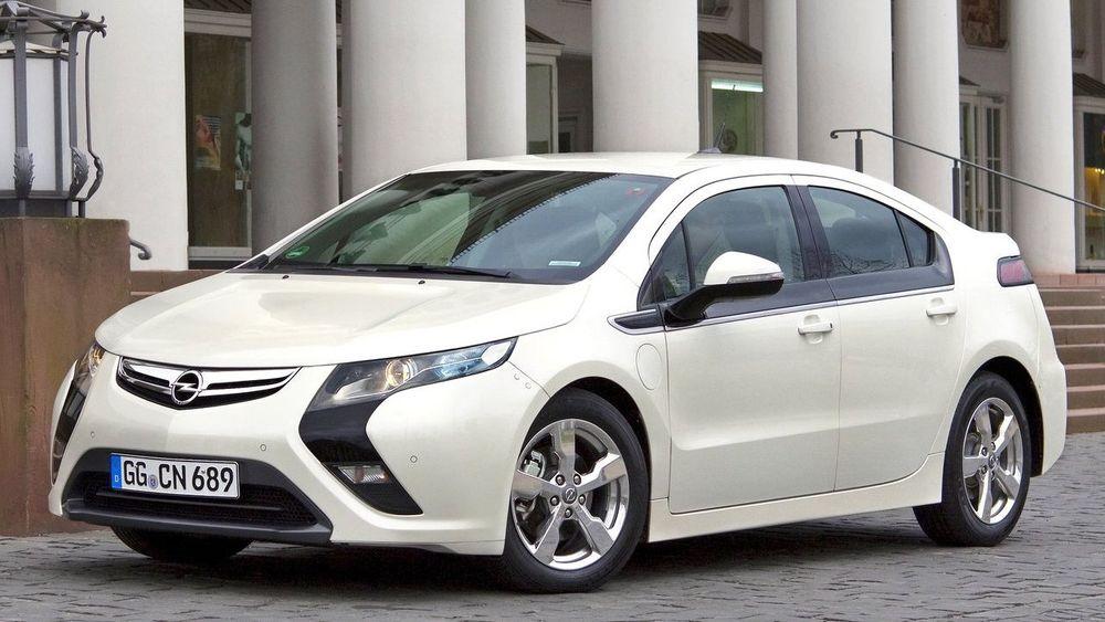 I vanlig bruk slipper Opel Ampera ut i gjennomsnitt 110 gram CO2 per kilometer, ifølge en nederlandsk undersøkelse. Den baserer seg på forbruksdata fra en flåte med i hovedsak offentlige kjøretøy.