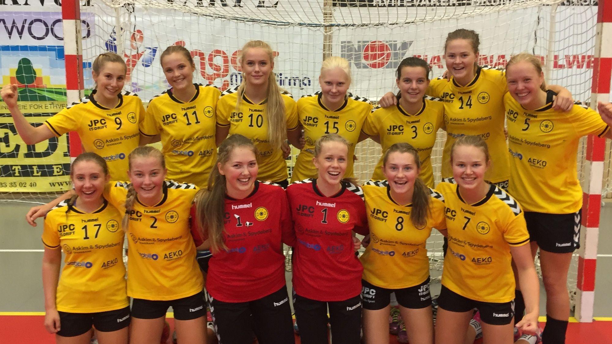 FOR ET LAG: Innsatsen under Skjægårdslekene lover godt for den kommende sesongen for Oppegårds J16!