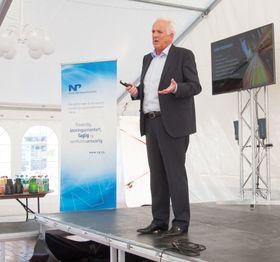 Volvo Cars Norway-sjef Øystein Herland mener det viktigste nå er å gjøre bensin- og dieselbiler mer miljøvennlige.