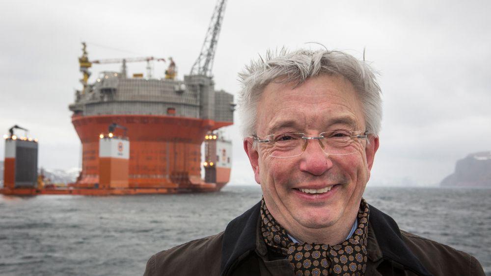 Oljebransjen inviterer myndighetene på et spleiselag for å utvikle ny teknologi som reduserer utslippene fra en framtidig oljeindustri.- Får vi til dette kan utslippene reduseres tilsvarende 70 prosent av utslippene fra den norske bilparken, sier administrerende direktør Karl Eirik Schjøtt-Pedersen i Norsk olje og gass.