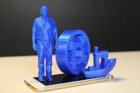 Slik så noen av dingsene vi 3D-skrev på kontoret vårt. Aman Menders produkter er nok flere hakk penere enn dette.