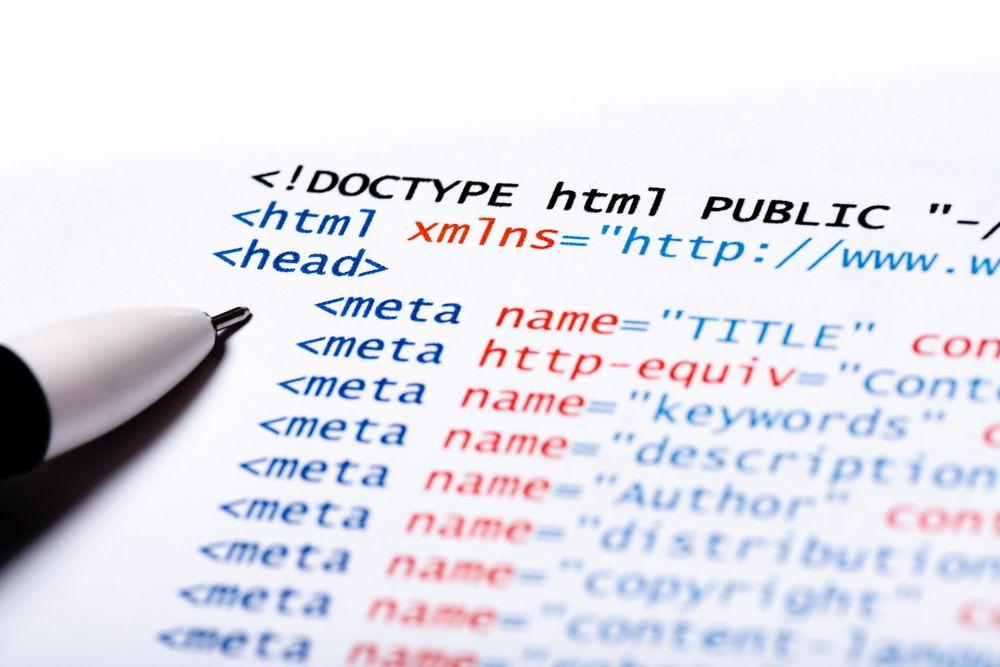 W3C planlegger å komme med to mindre oppdateringer til HTML5 innen utgangen av 2017. HTML-koden i illustrasjonsbildet tar nok utgangspunkt i en noe eldre versjon.