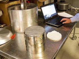 Målet for arbeidet til Nydal er å undersøke metoder for elektrisk lading av et varmelager.