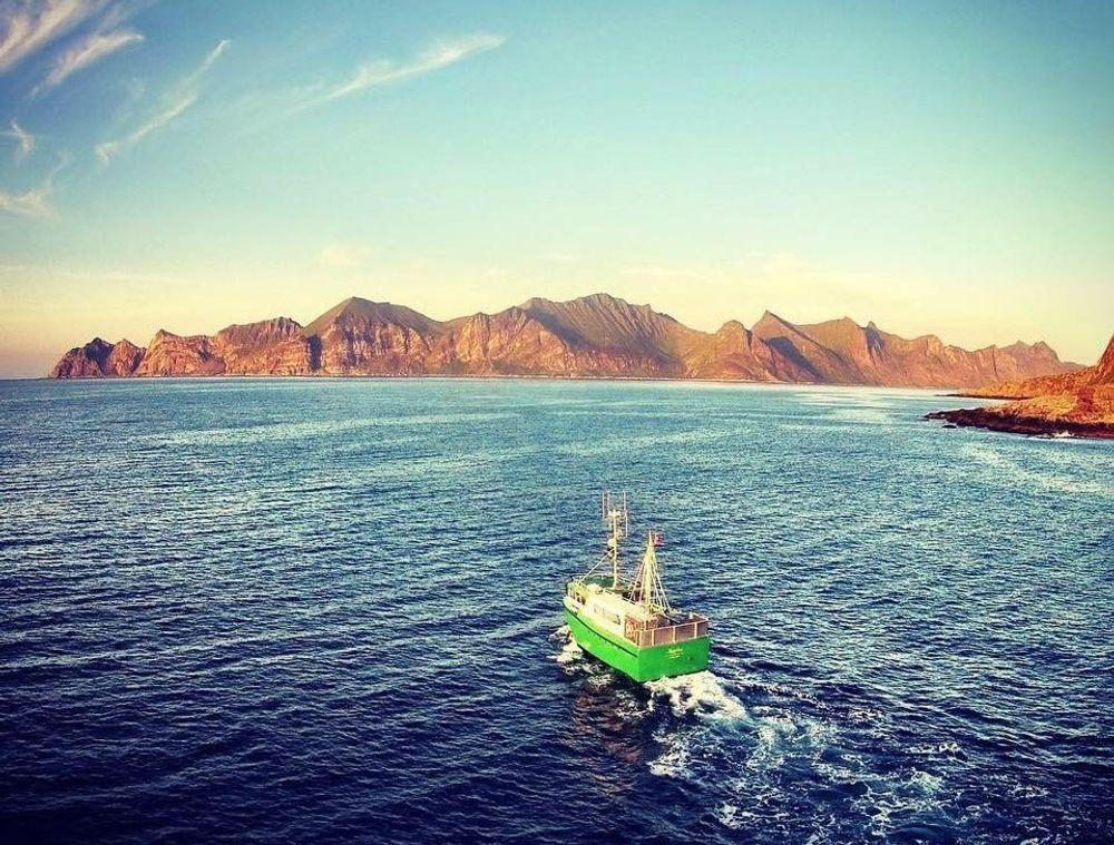 Bent Gabrielsen seiler ut fra Vannvåg i Karlsøy kommune og har 2,5 timer steaming før han kan starte fiskingen.