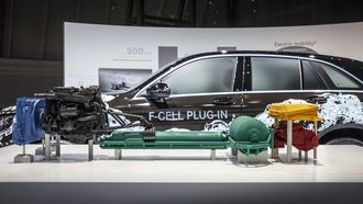 Mercedes-Benz viste fram sin nye generasjon hydrogenteknologi i sommer. Den skal først plasseres under skallet på en GLC-suv.