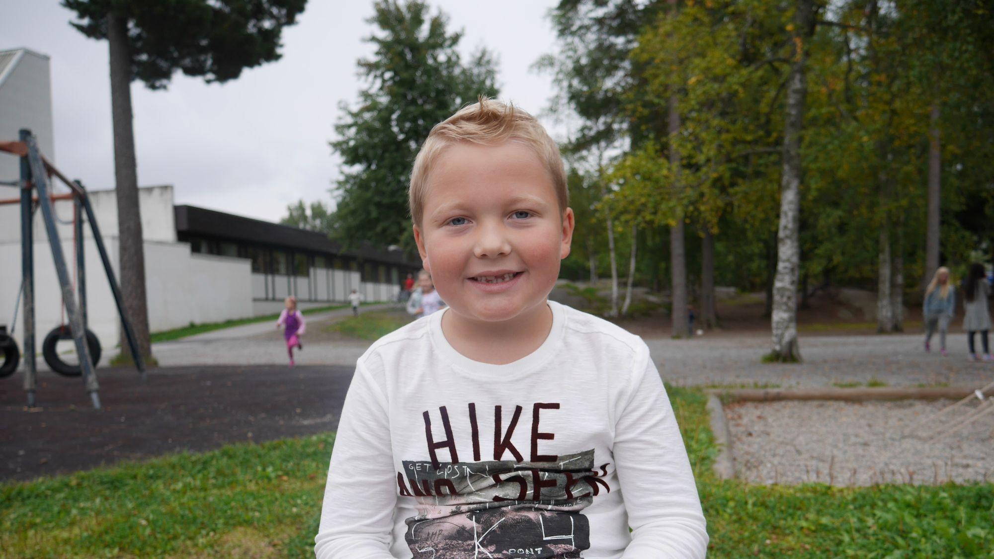 HERLIG KAR: Kornelius Waalmann Eriksen i klasse 1A på Sofiemyrtoppen har planer om å bli flyver i Norwegian.