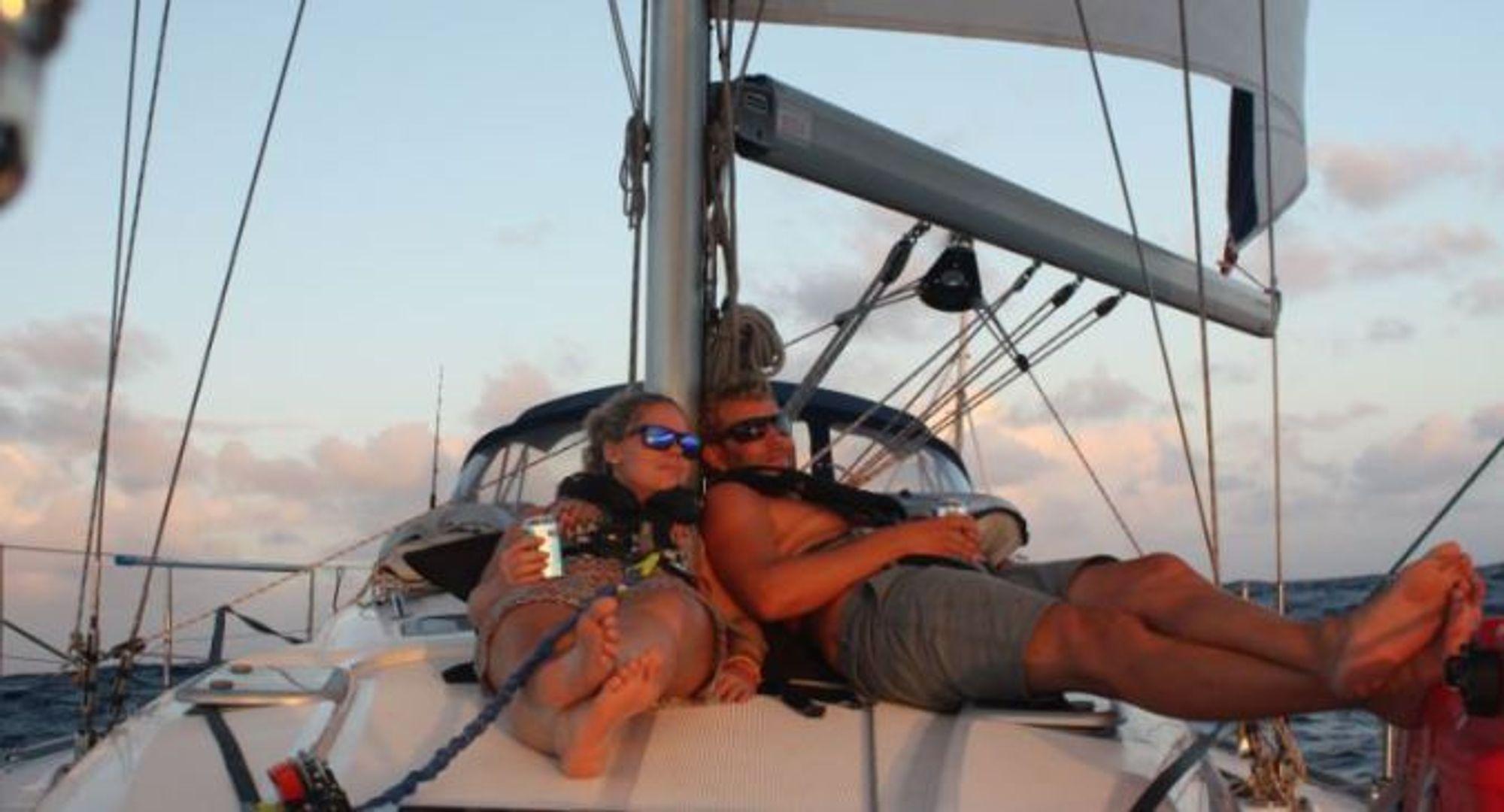 UNDERVEIS: Våre lokale seilere har hatt mange opplevelser underveis, som har blitt godt dokumentert på bloggen deres.