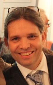 Dr. Maarten A.T.M. Broekmans.