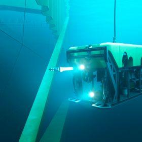 Inspeksjon: Anlegget vil ha egen ROV tilgjengelig for undervannsinspeksjon. I overkant av bildet ses luseskjørtene av stål, som skal gå 10 meter ned i havet.