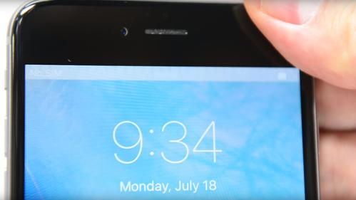 Ser du denne grå stripen på iPhone-skjermen din har du et problem