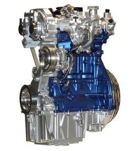 Bensinrevolusjon 1: Fords turboladede tresylindrede enliters motor med direkteinnsprøytning og variable ventiltider var et høydepunkt i trenden mot stadig mindre slagvolum. På tross av det lille slagvolumet fås motoren med ytelser på opptil 140 Hk kombinert med svært lavt bensinforbruk.