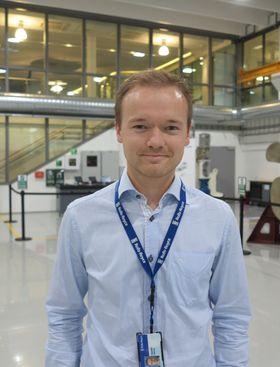 Johnny Aarseth hos Rolls-Royce i Ålesund sier at de bygger på fibertauerfaring opparbeidet siden 2003 og fram til i dag.