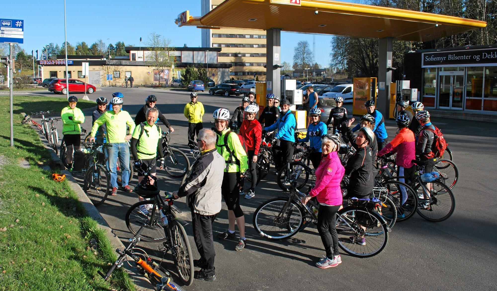 POPULÆRT: Oppmøtet på tidligere arrangerte sykkelturer har vært formidabelt. Denne høsten håper kommunen at enda flere ønsker å oppdage kommunen på to hjul.