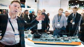 Nils Olav Solheim, prosjektdirektør for Johan Castberg i Aker Solutions, forklarer hvordan de har gått frem for å ta ned kostnadene på produksjonsskipet. .