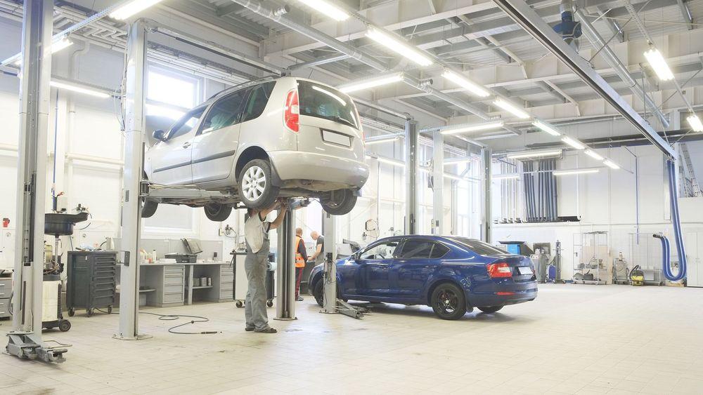 Regelendringene for EU-kontroll i fjor har ført til rundt 20 prosent høyere pris for gjennomføring av kontroll. Nå frykter bilbransjen ytterligere økning av prisen i 2018.