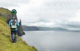 Googles Trekker-kamera vil bli flittig benyttet for å kartlegge omgivelsene på Færøyene fremover.