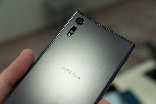 Den småsære aluminiumsfinishen på disse telefonen har nesten sitt eget innebygde Instagram-filter.